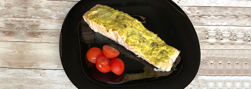 Avocado and basil salmon fillets