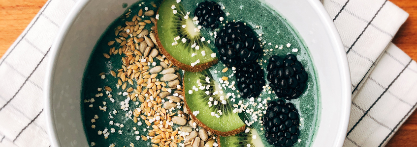 Green Smoothie Bowl (with BEAUTY DETOX)